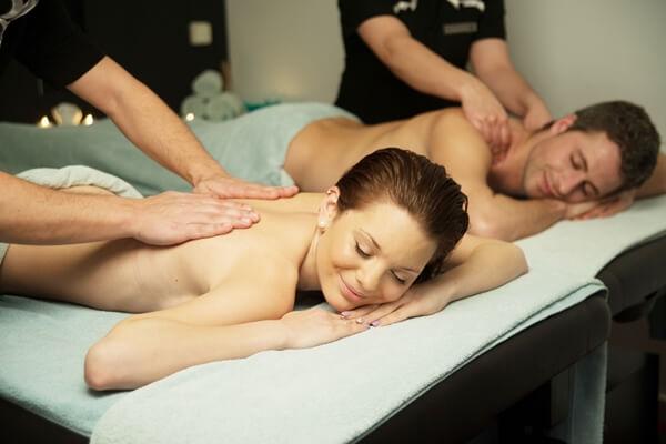 Mature massage parlour worker Dyanna Lauren undressing for oral sex № 528101 загрузить