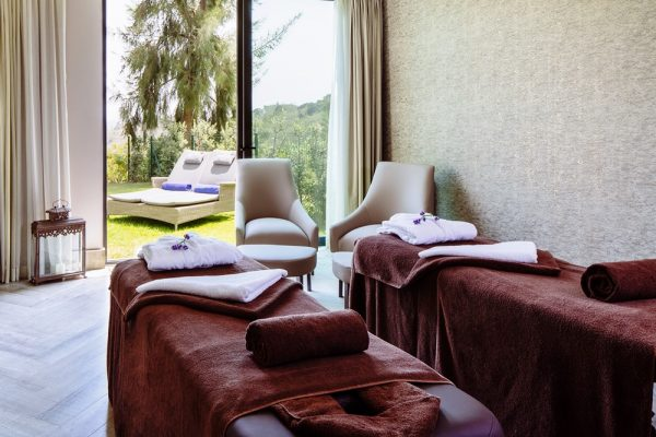Mountain spa retreat3